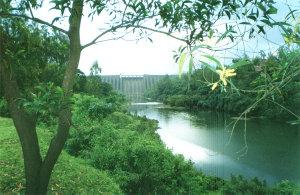 300px-Koyna-Dam2.jpg